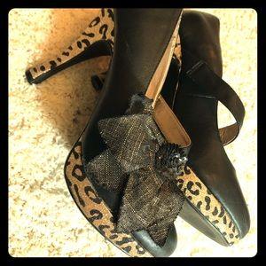 Cheeta heels size 9 BUCKLE